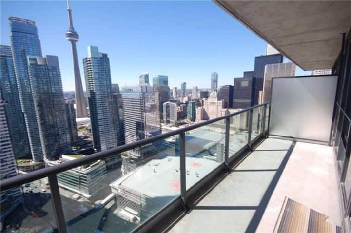 Sanitized Exec Suite - Amazing View & Free Parking