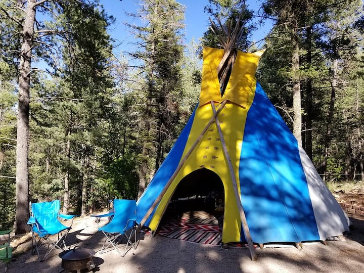 Sun & Sky Glamping Tipi in Forest near Cloudcroft