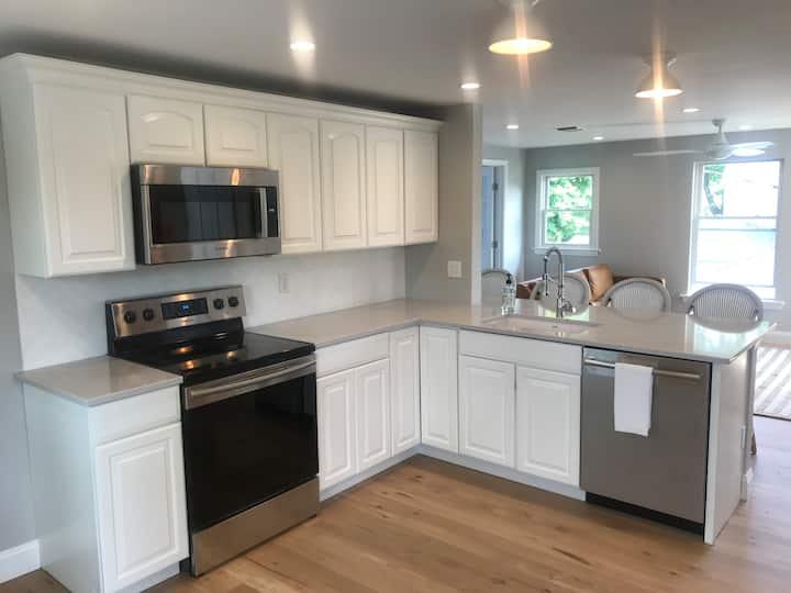 Brand Newly Renovated - Walk to Town and Beach