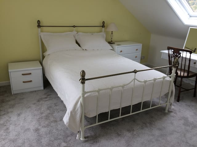 En-suite room in newly refurbished house, Dartmoor - Okehampton - Casa