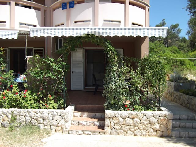 Island Pag-Lun-Dudici-onebedroom apartment