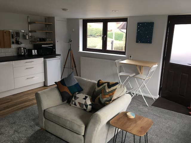Separate Self contained annex