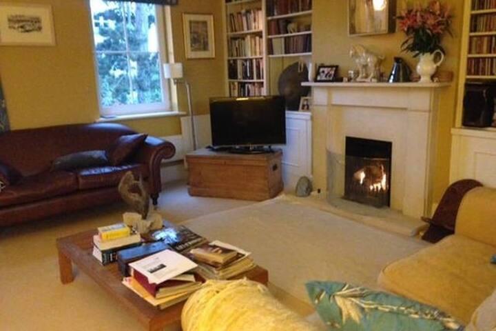 Comfort in regency Cheltenham - Cheltenham - Rumah