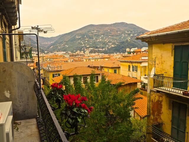 """1)LaSpezia HIKE """"L"""" room + balcony"""