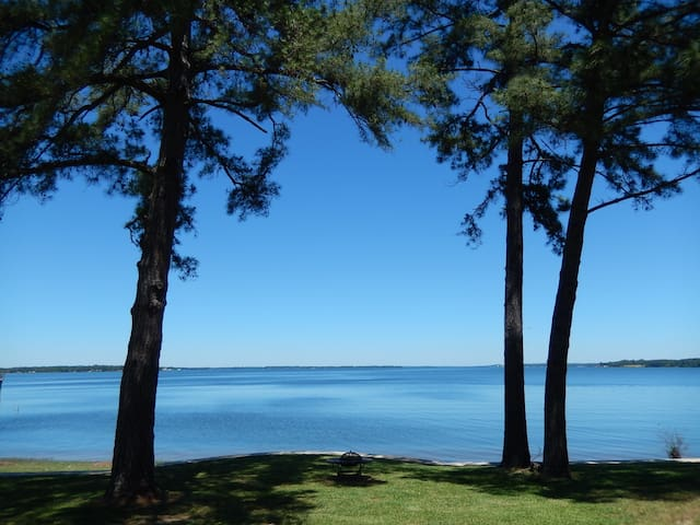 Waterfront View Welcomes You to Lakeside Living!