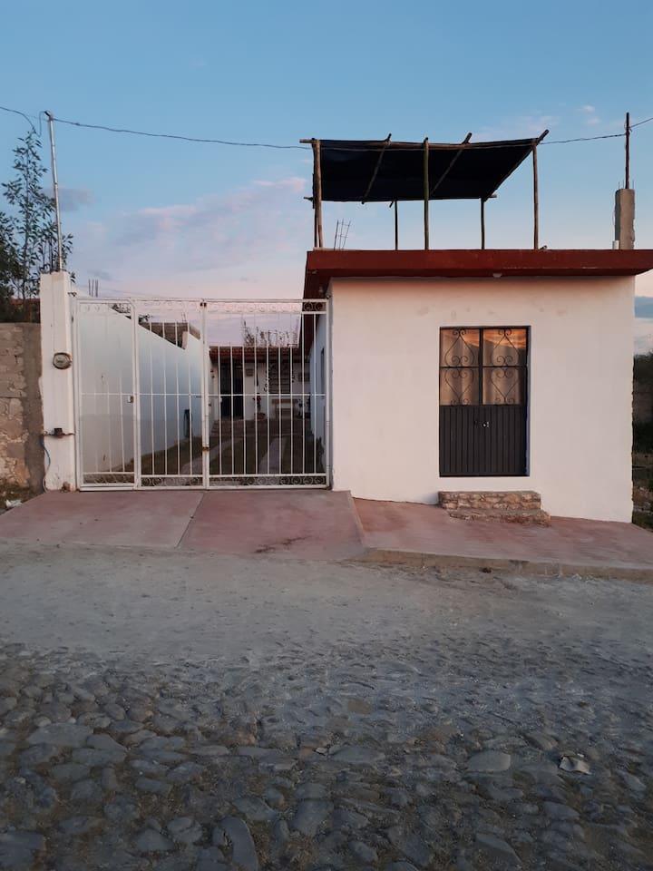 Casa con entrada independiente