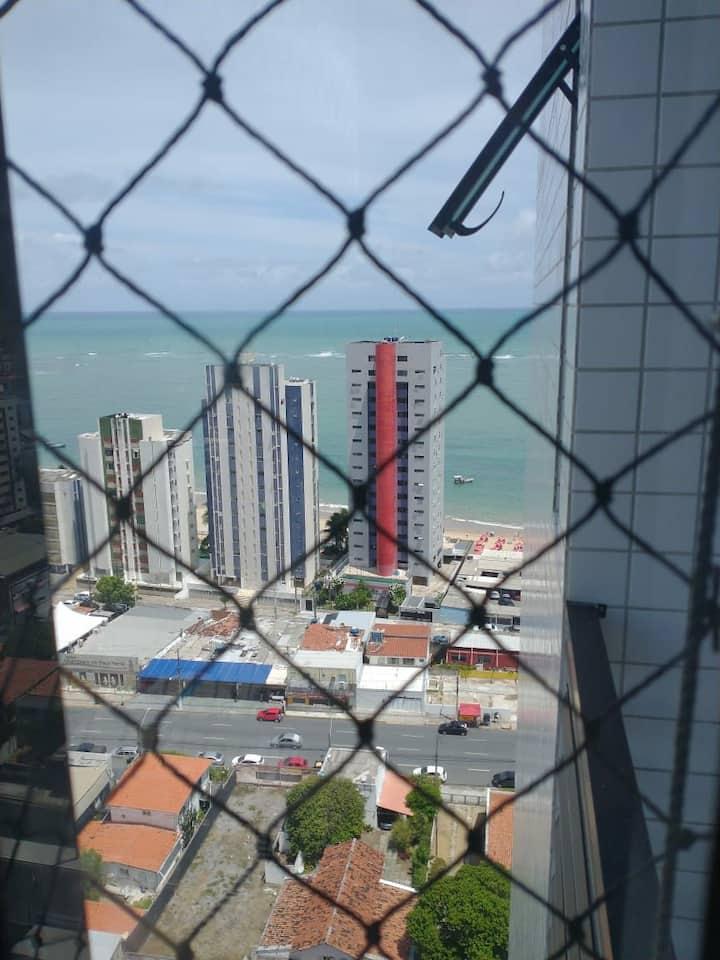 Apê lindo, novo, muito perto da praia de Candeias!