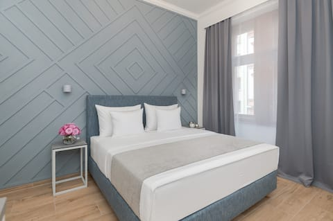 Unique Design Apartment in Lovely District! ❤️