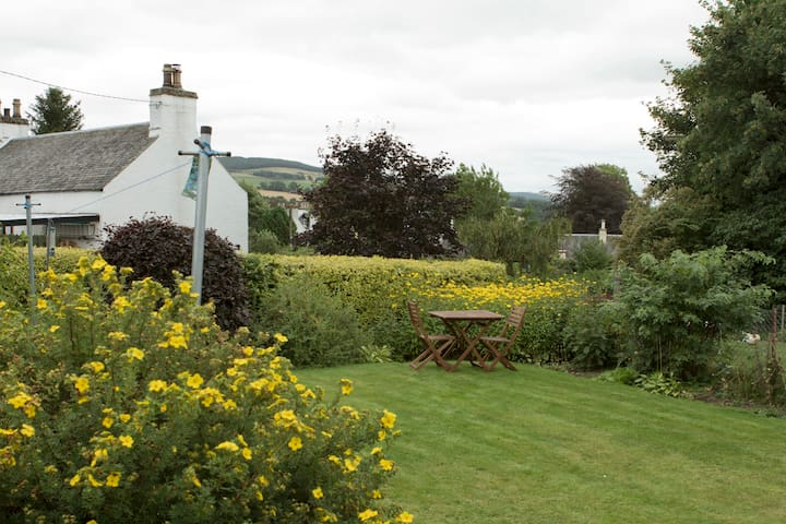 Dane's Stone View, Self Catering, Moulin,Pitlochry