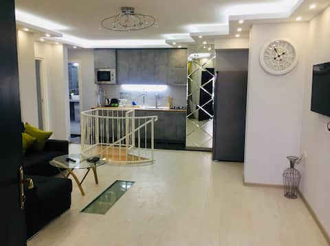 Luxury apartment with Billiard in the city center