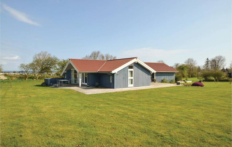 Holiday cottage with 2 bedrooms on 88m² in Nordborg