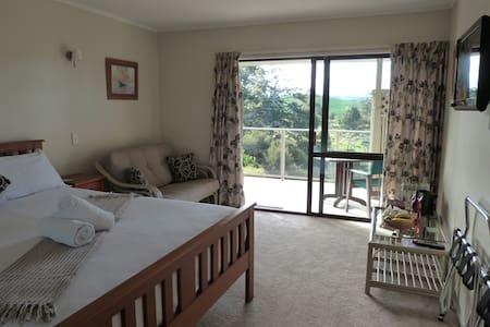 Morepork B&B - Waitangi Room - Haruru - Bed & Breakfast