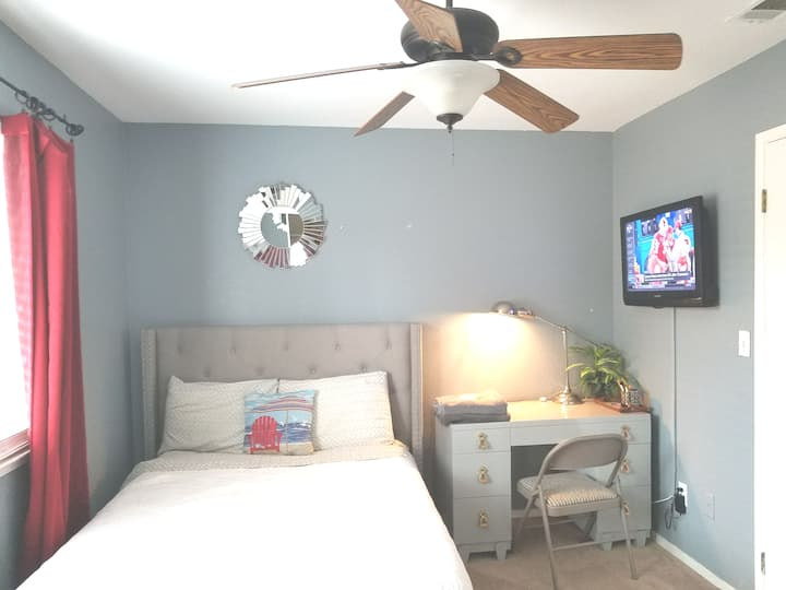 small but very comfortable bedroom one double bed