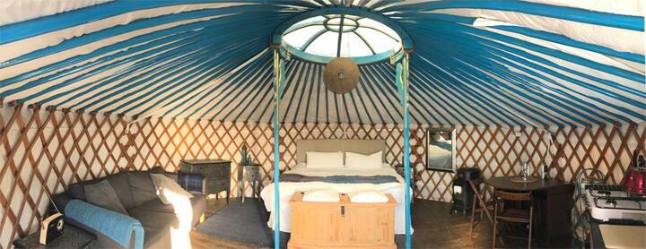 Yurt in Cornwall with International Yoga Studio. 2