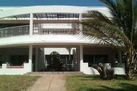 Luxurious beach villa 15 minutes from Kilifi town - Kilifi - Villa