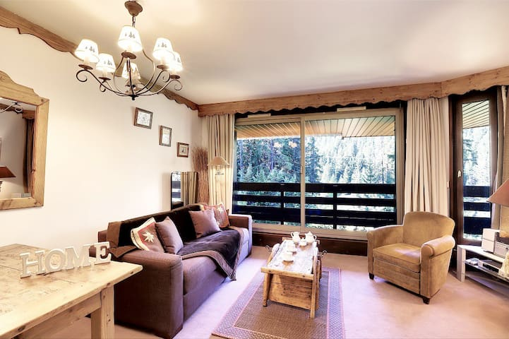 Apartment ski in/out seannal renting