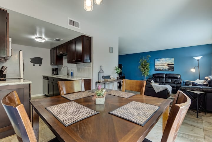 2 Bed/1.5 Bath South Scottsdale Townhome