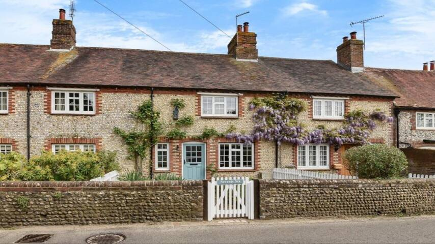 Character Cottage, Boxgrove, Goodwood, W. Sussex