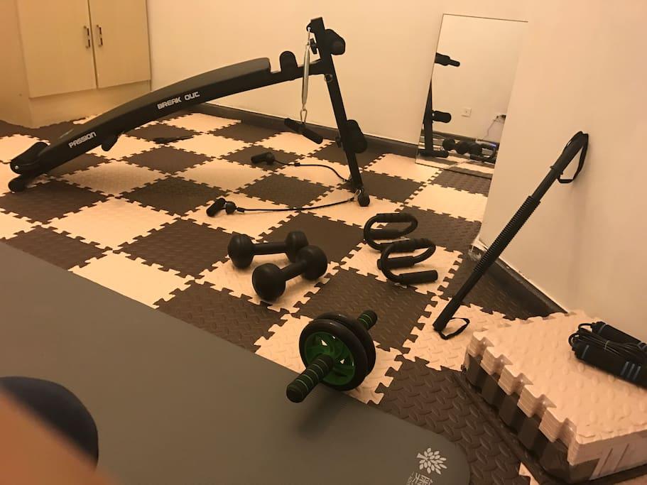 楼下健身房