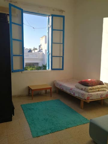 Furnished individual room in downtown Tunis center