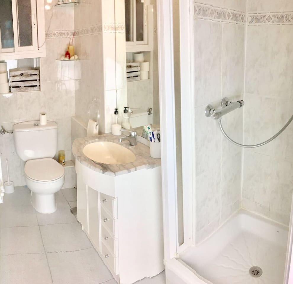 Nice bathroom - Baño