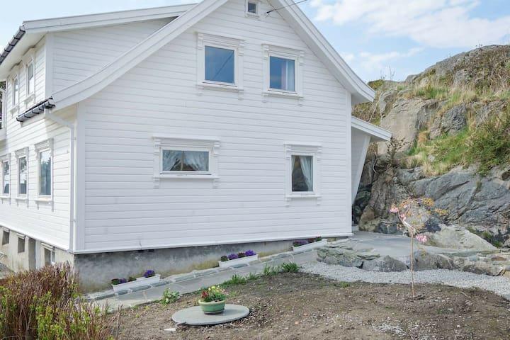 7 person holiday home in skudeneshavn