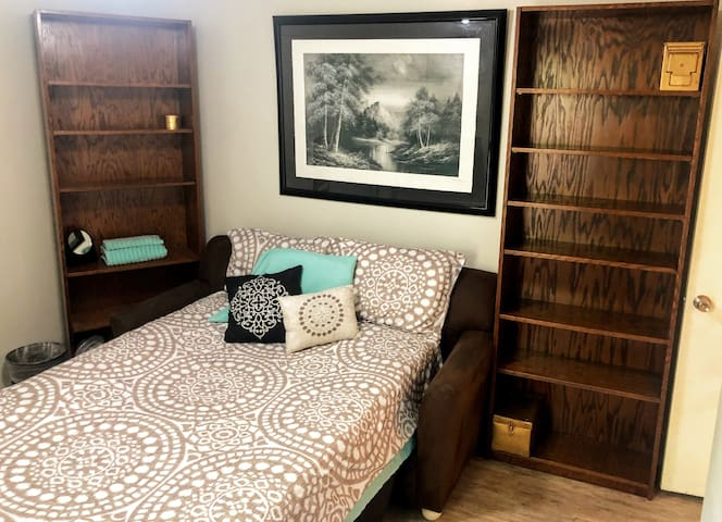 Great Room, Minutes from ACL & Downtown!!!