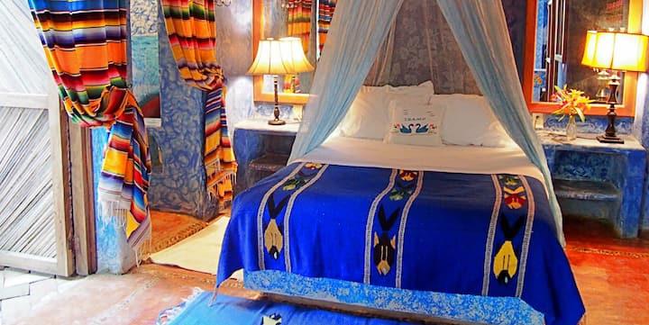 La Casa Del Encanto B&B The Blue Angel Suite