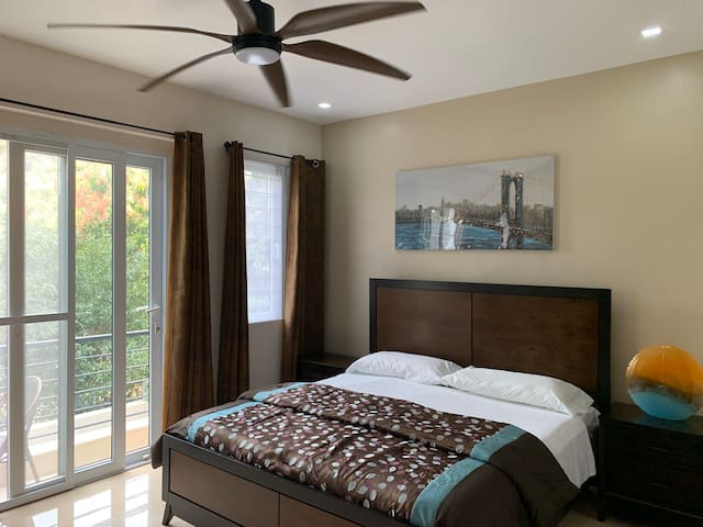 Modern, Cozy Norbrook Suites Studio