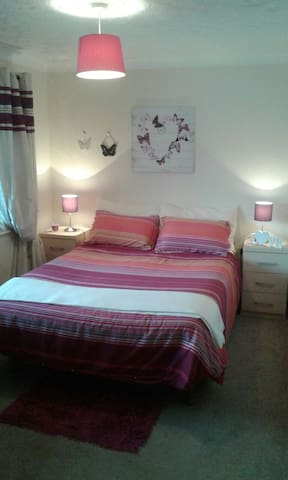 Milton Keynes double bedroom - Bletchley - Hus