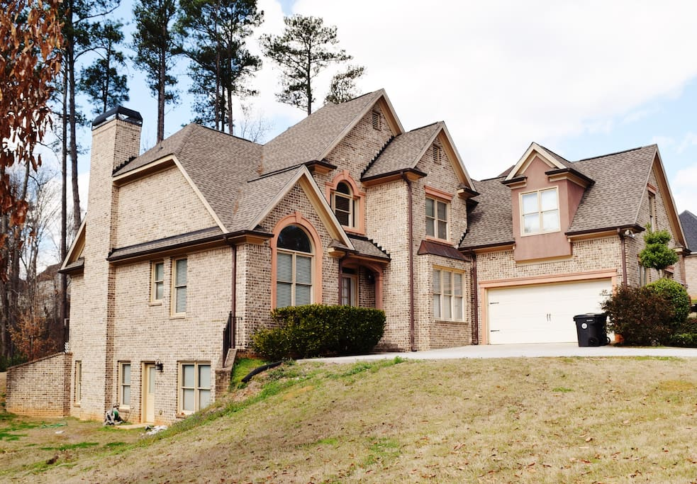 Luxury home in atlanta payment plans available houses for Luxury house plans atlanta ga