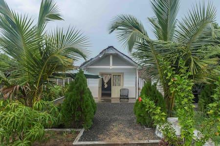 Thaiyoob's Villa - Pottuvil - Casa de camp