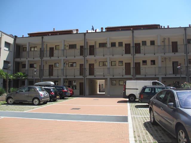 Appartement ligt op de eerste etage (lift aanwezig)