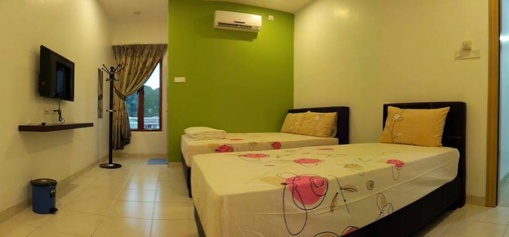 White House Home Stay (Triple room) - Ipoh - บ้าน