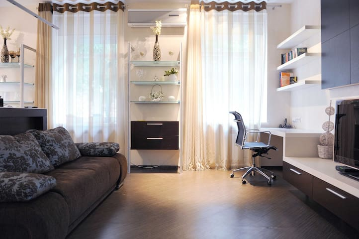 Designer flat at Golden Gate - เคียฟ