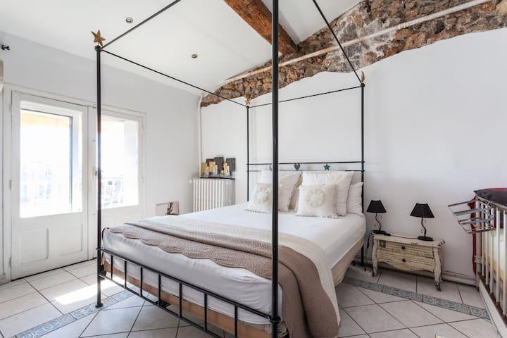 "Chambre ""La St Louis"" - Sète - Bed & Breakfast"
