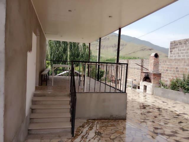 ЭКО дача в горах