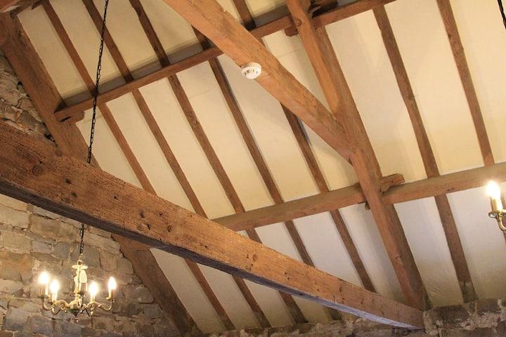 5 Bedroom Farmhouse on C2C, Pub Opposite, C2C