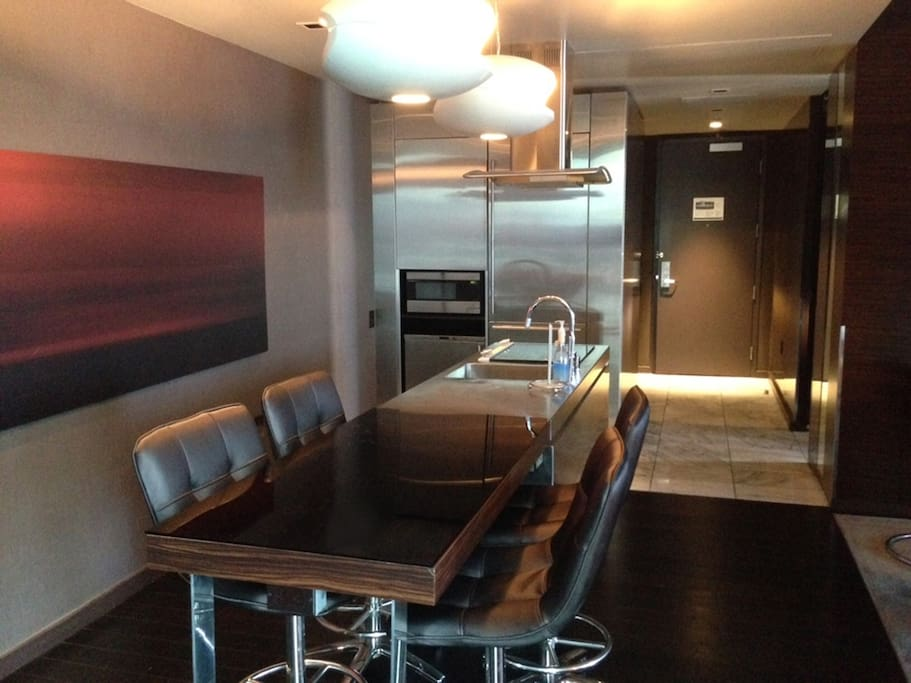 Palms place strip view luxury suite condominiums for rent in las vegas nevada united states for Palms place 2 bedroom suite price