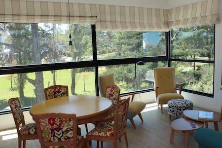 Confortable y luminoso apartamento - Punta del Este