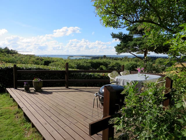 Holiday cottage with terrific view - Knebel - Houten huisje
