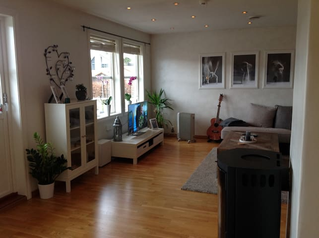 Nice and quiet apartment, 20 min to Bergen. - Bergen