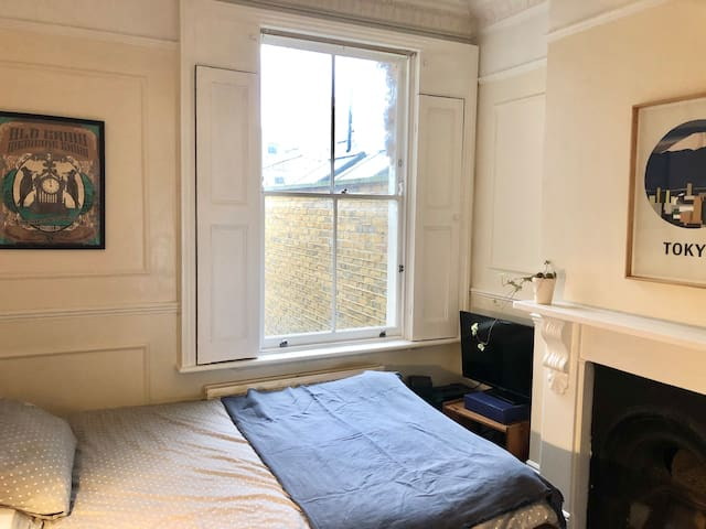 Light, bright, private double in Stoke Newington