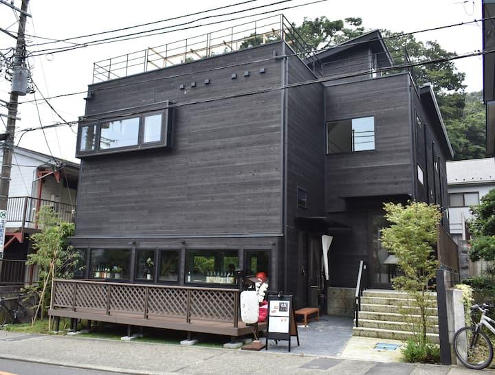 築浅物件で鎌倉ステイを体験・B&B KAMAKURA(ゲストハウスタイプの民泊)