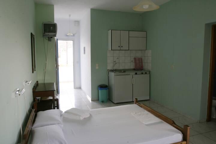 Διαμέρισμα #2 δίκλινο με θέα