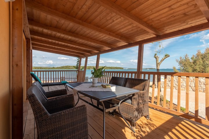 Two Bedroom House, beachfront in Pašman
