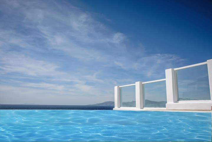 Mykonos Art Villas pool & sea