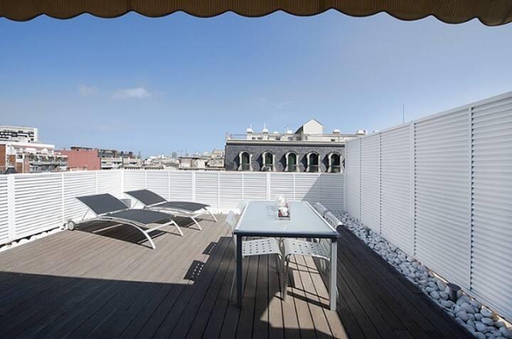 Apartamento tipo Loft con amplia terraza de 20m2