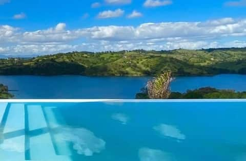 ✔️PRIVATE INFINITY POOL & MILLION DOLLAR LAKE VIEW
