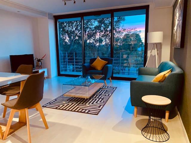 Sleek,  Stylish & Central Apartment